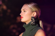 Romee Strijd looked elegant wearing this sleek ponytail at the Brandon Maxwell runway show.