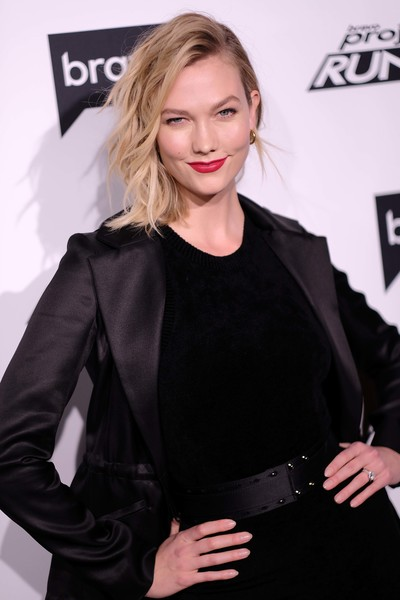 More Pics of Karlie Kloss Red Lipstick (1 of 21) - Makeup Lookbook - StyleBistro
