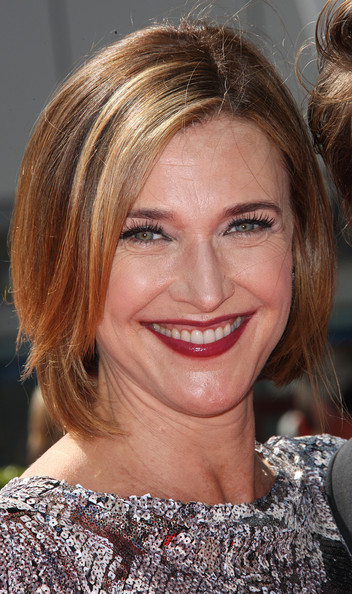 Brenda Strong Bob [hair,face,hairstyle,blond,eyebrow,chin,lip,brown hair,hair coloring,layered hair,brenda strong,creative arts emmy awards,california,los angeles,nokia theatre l.a. live,academy of television arts sciences]