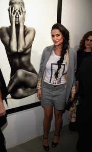 A pair of black peep-toe ankle-strap heels sealed off Demi Moore's look.