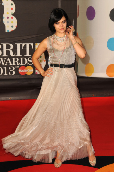 http://www1.pictures.stylebistro.com/gi/Brit+Awards+2013+Red+Carpet+Arrivals+0KNmmQ71ANVl.jpg
