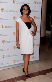Christine Bleakley paired her one-shoulder dress with peep toe pumps.