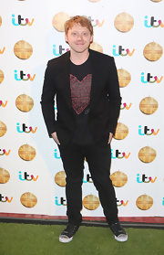 Rupert Grint chose a black blazer to pair over his screen tee for a more evening-appropriate look.