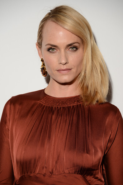 More Pics of Amber Valletta Medium Layered Cut (1 of 5) - Medium Layered Cut Lookbook - StyleBistro