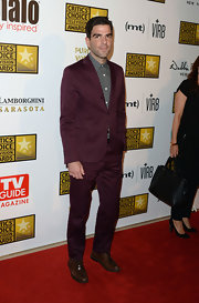 Zachary Quinto's deep maroon suit looked super sleek and contemporary over a patterned button-down.