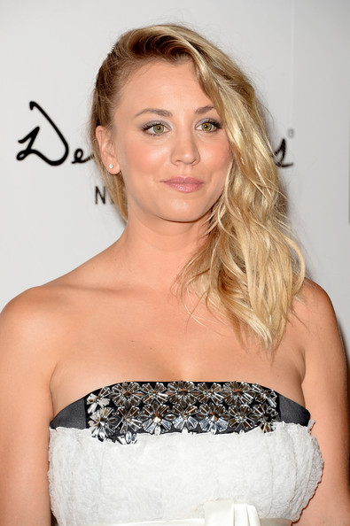 More Pics of Kaley Cuoco Strapless Dress (4 of 14) - Kaley Cuoco Lookbook - StyleBistro