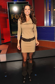 Brooke Burke donned brown chocolate mid-calf boots with slouchy knit uppers.