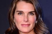 Brooke Shields Medium Wavy Cut