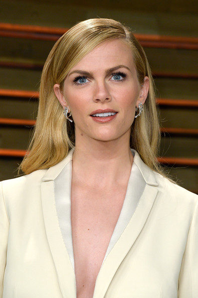 Brooklyn Decker Long Side Part [hair,blond,face,hairstyle,beauty,chin,layered hair,long hair,outerwear,brown hair,brooklyn decker,graydon carter,stars,west hollywood,california,vanity fair,oscar party]