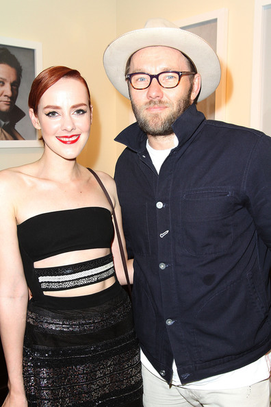 More Pics of Jena Malone Metallic Clutch (1 of 11) - Clutches Lookbook - StyleBistro [the art of discovery,book,fashion,shoulder,fashion design,event,eyewear,dress,premiere,formal wear,haute couture,glasses,jeff vespa,joel edgerton,jena malone,beverly hills,california,brooks brothers celebrates the launch,brooks brothers rodeo,launch]