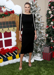 Elizabeth Chambers looked perfectly polished in a black Rachel Zoe dress with crystal-embellished sleeves at the Brooks Brothers Holiday celebration.