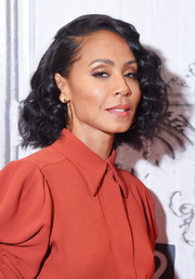 Jada Pinkett Smith visited the Build Series wearing her hair in a curled-out bob.