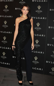 Not many can pull of a one-shoulder sequined jumpsuit but Giorgia Surina is one of the lucky few.
