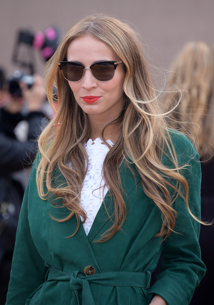 Harley Viera-Newton showed off a sweet wavy 'do at the Burberry fashion show.