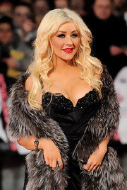 Christina Aguilera showed off radiant long curls at the London premiere of 'Burlesque.'
