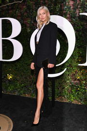 Karlie Kloss styled her monochrome look with a mirrored gold clutch by Le Snob at the #BoF500 gala.