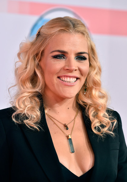 Busy Philipps Half Up Half Down [hair,blond,face,hairstyle,eyebrow,beauty,chin,long hair,smile,layered hair,arrivals,busy philipps,american music awards,microsoft theater,los angeles,california]