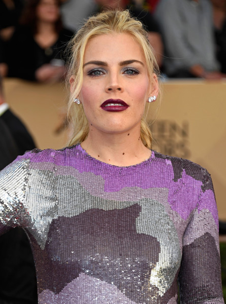 Busy Philipps Loose Ponytail [hair,face,hairstyle,eyebrow,blond,fashion,lip,beauty,long hair,premiere,arrivals,busy philipps,screen actors guild awards,los angeles,california,the shrine auditorium]