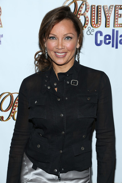 More Pics of Vanessa Williams Lipgloss (1 of 7) - Vanessa Williams Lookbook - StyleBistro