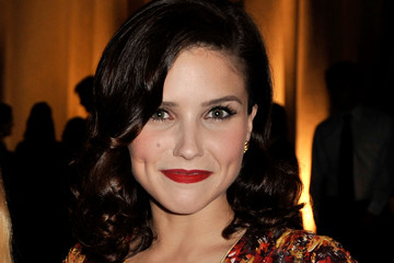 Sophia Bush's Retro Medium Wavy Cut