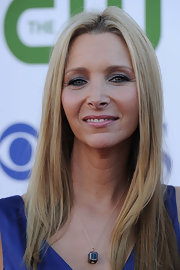Lisa Kudrow wore a simple yet charming cube pendant necklace at the 2011 TCA party.