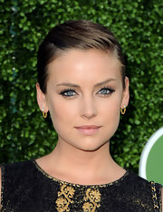 Jessica went for a sleek look while walking the red carpet. Her smokey eye gave her a seductive look.