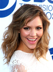 Katharine McPhee attended the CBS Summer Soiree wearing her hair in soft, pretty waves.