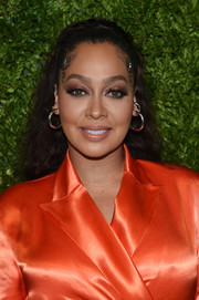 La La Anthony attended the 2019 CFDA/Vogue Fashion Fund Awards wearing her hair in loose curls.