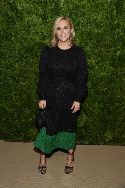 More Pics of Tory Burch Medium Wavy Cut (1 of 3) - Tory Burch Lookbook - StyleBistro [clothing,green,dress,footwear,outerwear,flooring,cocktail dress,shoe,carpet,tory burch,vogue fashion fund 2019 awards,new york city,cipriani south street,cfda]