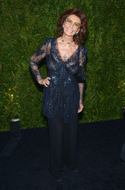 Sophia Loren sparkled in a sequined blue blouse at the Tribeca Film Festival Artists Dinner.