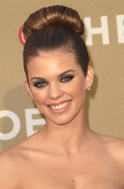AnnaLynne McCord wore her hair in a sleek, classic bun at the 2011 CNN Heroes: An All-Star Tribute.