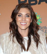 Hope Solo looked fab with her long wavy 'do at the CP3 PBA Celebrity Invitational Bowling Tournament.