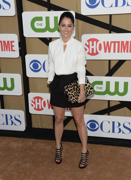 More Pics of Robin Tunney Button Down Shirt (6 of 8) - Tops Lookbook - StyleBistro [clothing,fashion,leg,shoulder,footwear,joint,carpet,shorts,fashion design,dress,arrivals,robin tunney,california,los angeles,cw,cbs,showtime 2013 summer tca,showtime 2013 summer tca party]