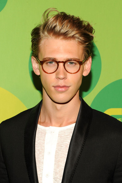 More Pics of Austin Butler Skinny Pants (1 of 3) - Skinny Pants Lookbook - StyleBistro