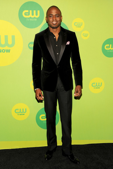 Wayne Brady chose this sleek black suit with a velvet blazer for his look at the CW's Upfront event.