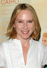 Amy Ryan showed off her short bob while hitting the red carpet.