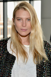 Dree Hemingway wore her hair down in an edgy side-parted style during the Calvin Klein fashion show.