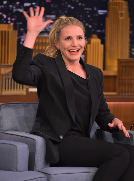 Cameron Diaz kept it subdued in an all-black blazer, blouse, and pants combo during her 'Jimmy Fallon' appearance.