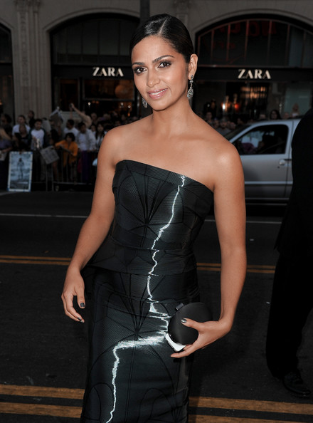 Camila Alves Satin Clutch [clothing,dress,strapless dress,fashion model,shoulder,fashion,haute couture,beauty,hairstyle,cocktail dress,camila alves mcconaughey,red carpet,paramount pictures interstellar,california,hollywood,paramount pictures,tcl chinese theatre imax,premiere,premiere]