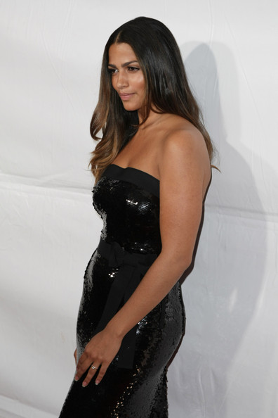 Model Camila Alves attends Samsung's 9th Annual Four Seasons of Hope Gala at ...