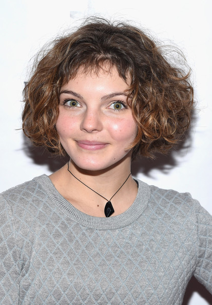 Camren Bicondova Curled Out Bob [hair,face,hairstyle,eyebrow,chin,shoulder,lip,neck,brown hair,layered hair,camren bicondova,fashion,action,the rubin museum of art,new york city,fashion for action]