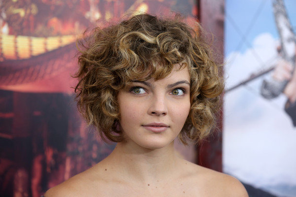 Camren Bicondova Curled Out Bob [hair,face,hairstyle,beauty,eyebrow,chin,blond,lip,hair coloring,layered hair,inside arrivals,camren bicondova,pan,new york,ziegfeld theater,premiere]