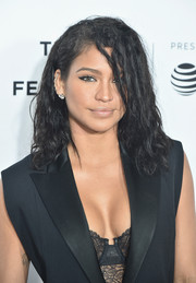 Cassie attended the Tribeca Film Fest premiere of 'Can't Stop, Won't Stop' wearing her hair in disheveled waves.