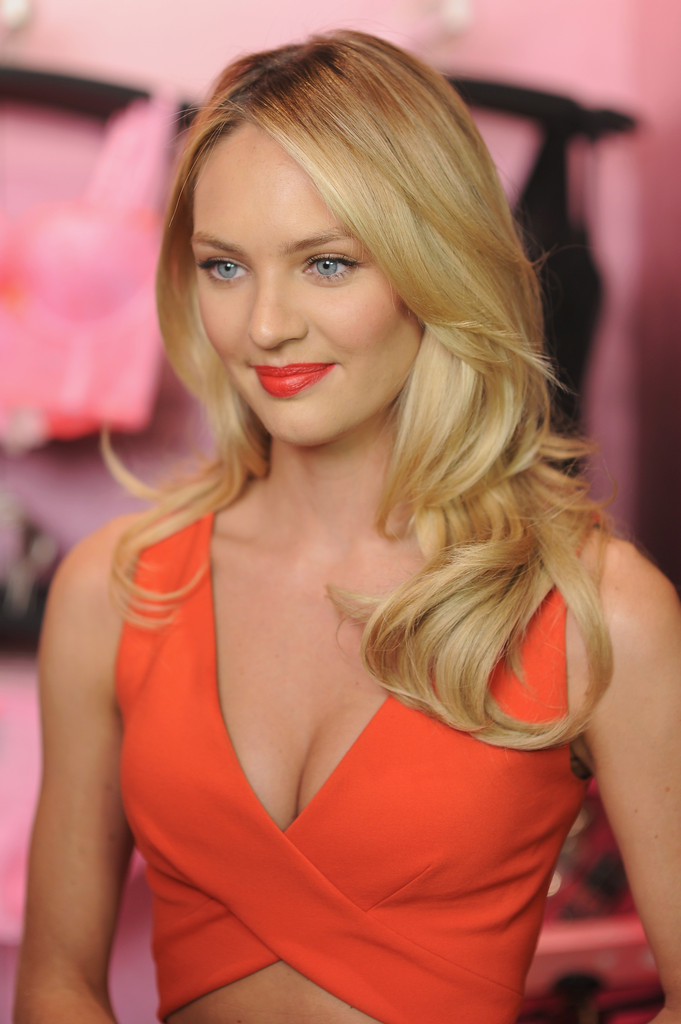 Candice Swanepoel Long Curls Candice Swanepoel Looks