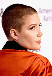 Halsey looked tough wearing this buzzcut at the Capitol Records 75th anniversary gala.