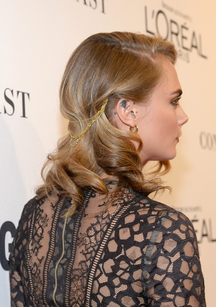 Cara Delevingne Medium Wavy Cut [hair,hairstyle,blond,long hair,beauty,chin,fashion,brown hair,shoulder,hair coloring,red carpet,cara delevingne,neuehouse hollywood,california,los angeles,glamour women of the year]