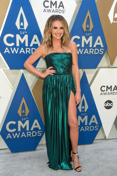 Carly Pearce Strapless Dress []