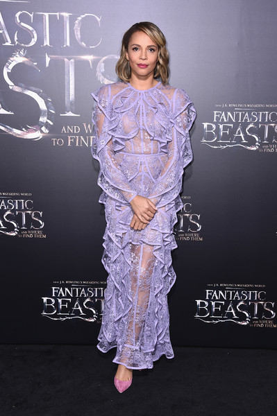 Carmen Ejogo Pumps [fantastic beasts and where to find them,clothing,carpet,fashion,premiere,hairstyle,red carpet,dress,fashion model,flooring,fashion design,carmen ejogo,fantastic beasts and where to find them world premiere,new york city,lincoln center,alice tully hall,world premiere]