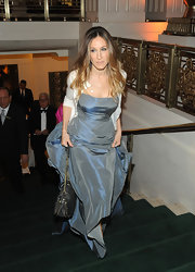 Sarah Jessica Parker was the picture of elegance arriving at the Carnegie Hall Medal of Excellence Gala, wearing her luxurious locks in cascading curls.