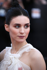 Rooney Mara was as edgy as ever at the 'Carol' premiere wearing this center-parted hair knot.
